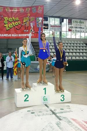Ganadoras del Interclub de patinaje donde ha colaborado Peta Zetas
