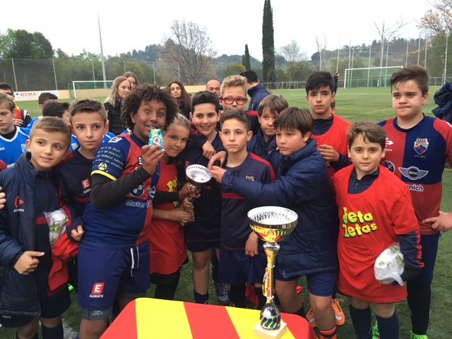 Peta Zetas Felicita a los Participantes del Trofeo Club Esportiu Llerona 2