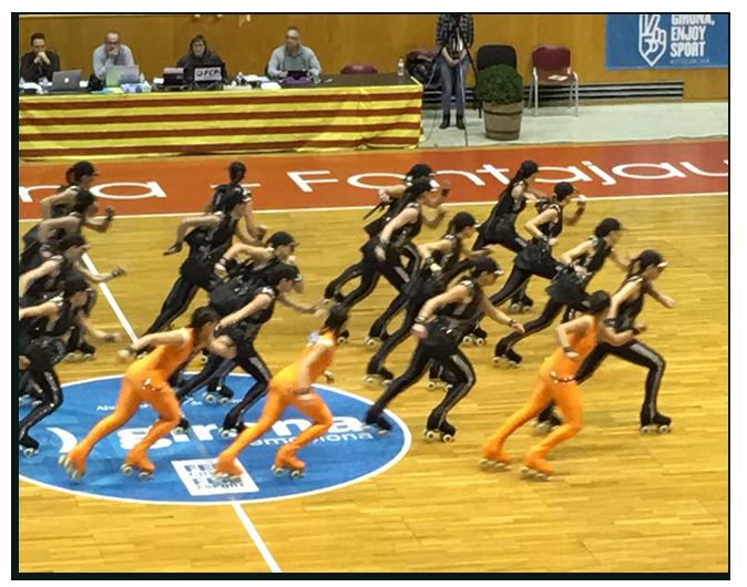 """El equipo de CPA OLOT, patrocinado por Peta Zetas, interpretando la coreografía """"Soy inocente"""""""