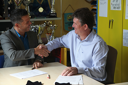 sponsorship agreement of pop rocks and artistic skating club of olot