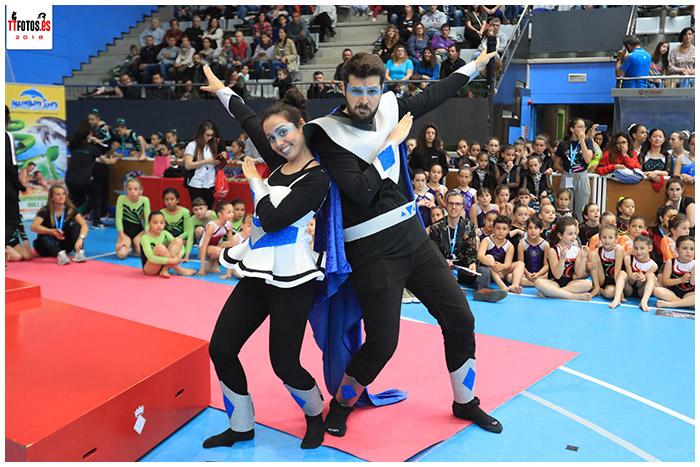 Diversión con Peta Zetas en el trofeo de gimnasia artística de sabadell