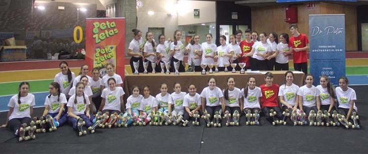 Patinadores del CPAMaxia participantes del campeonato de España de Patinaje Alevin patrocinado por Peta Zetas